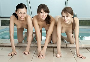Free Lesbian Teen Threesome Porn Pictures