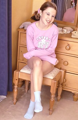 Free Teen Socks Porn Pictures