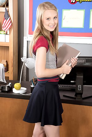 Free Teen Office Porn Pictures